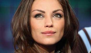 Mila Kunis verrast door borsten